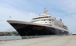 釧路港のクルーズ船