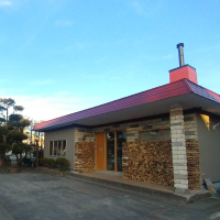 haku hostel & cafe+bar様